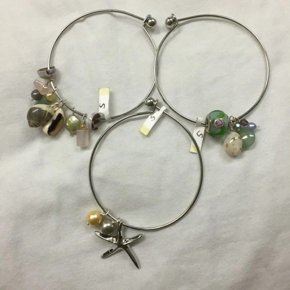 Jewelry - Shell bangles bundle